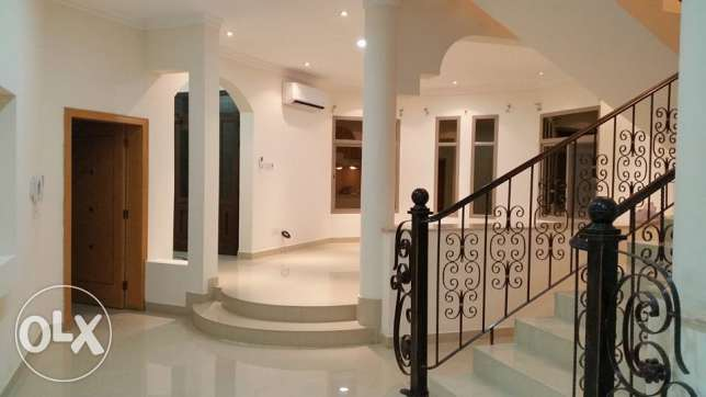 semi furnished villa close to Saudi causeway bisb جانبية -  1