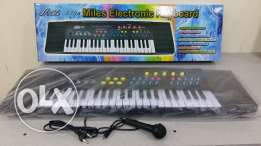 New electronic piano boxpack