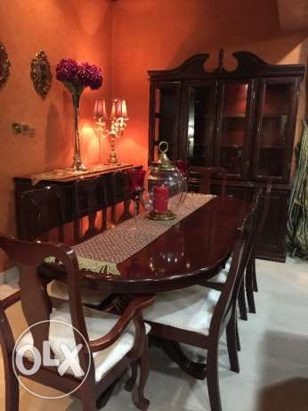 Dinning table with buffet for sell in excellent condition