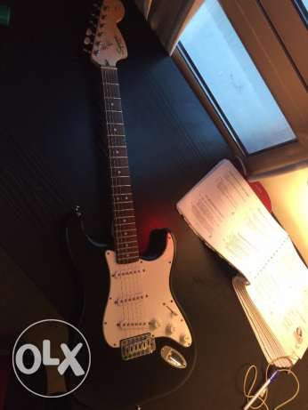 Squier Stratocaster in black