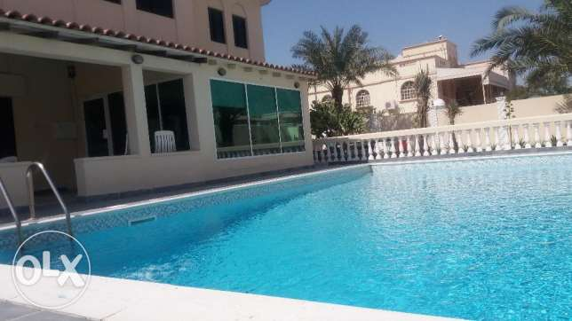 Gorgeous Villa with Swimming Pool & Beautiful Garden in Hamad Town