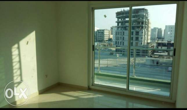 Buhair / Semi Furnished 2 BR apartment with pool and gym الرفاع‎ -  5