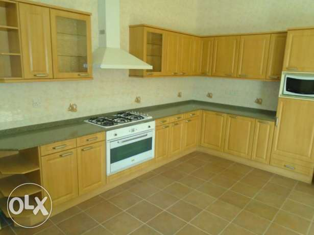 Beautiful 3 Bedroom S/f Villa with private s.pool in Tubli