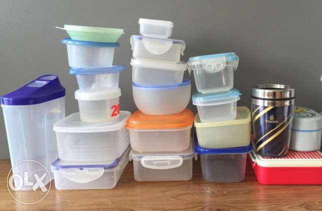 Mix of Tupperware and tumbler