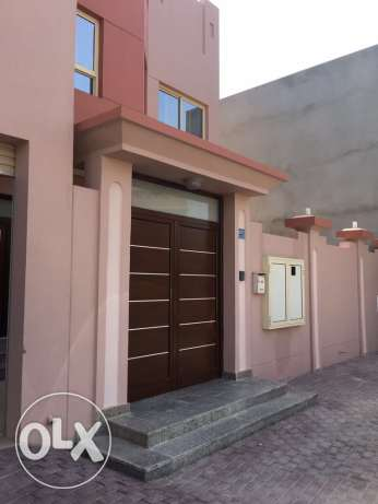 For sale a new villa in al-Janabiya Of 7 rooms And 6 bathrooms And two