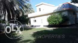 SAAR 3 Bedroom Semi Single Storey Villa with Garden for rent