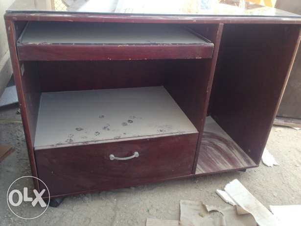 Computer table for sale توبلي -  5