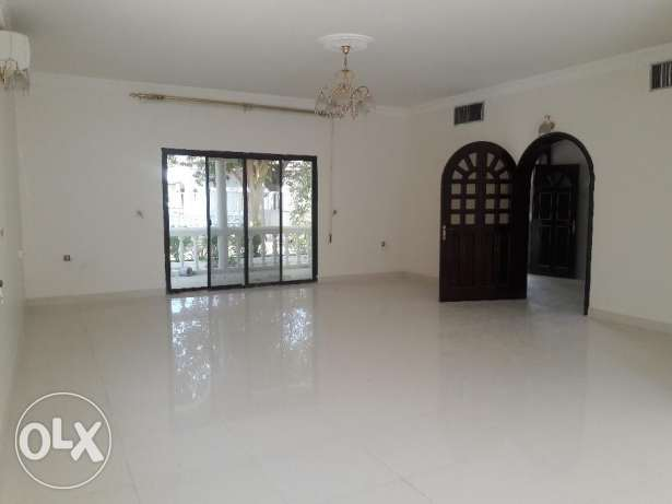Saar:- 4Bhk Semi Furnished Compound Villa Available on Rent..