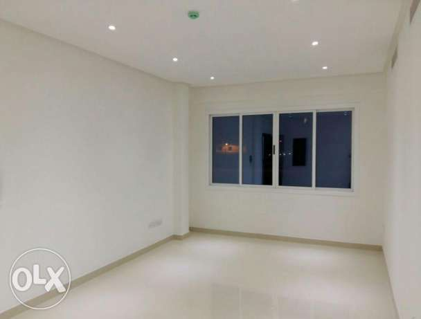 Buhair / Semi Furnished 2 BR apartment with pool and gym الرفاع‎ -  7