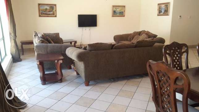 Spacious 3 BR Apartment in Juffer
