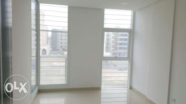 Buhair / Semi Furnished 2 BR apartment with pool and gym الرفاع‎ -  1