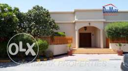 4 BR Luxurious Semi Single storey Villa with Private Pool & Garden