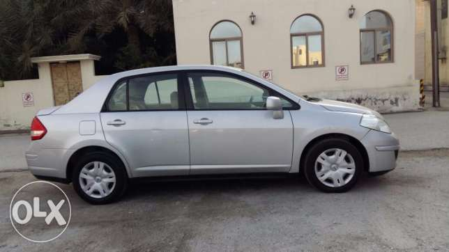 2012 model Nissan TIIDA (Immaculate condition)