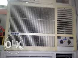 Carrier windoow A/C 1.5 ton good conditions with fixeing