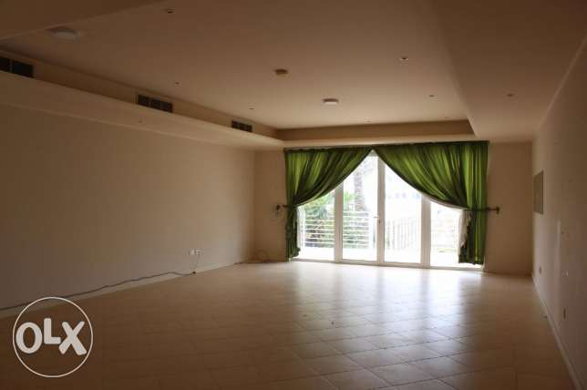 3+1 Bedroom Villa s/f in Amwaj