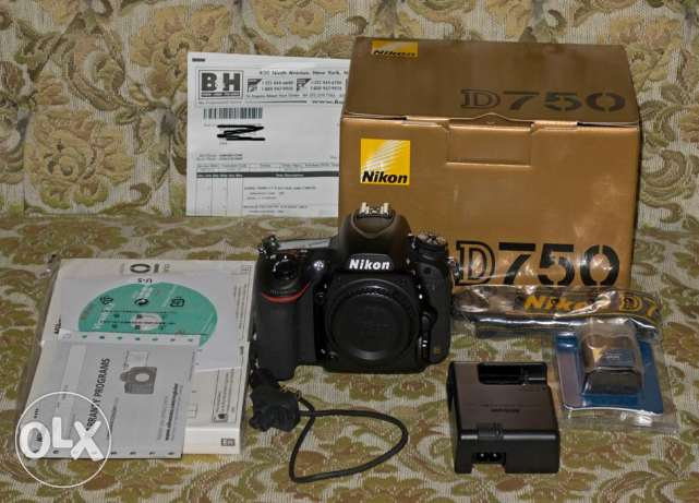 Camera for sale Nikon d750 with free Lens
