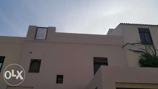 Luxury 3BRS Villa locate in Amwaj Island Floating city Fully Furnished