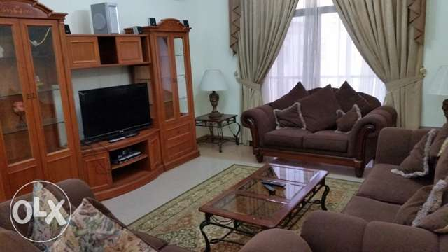 Juffair Luxury, beautiful & spacious bright Family apartment.- Antony