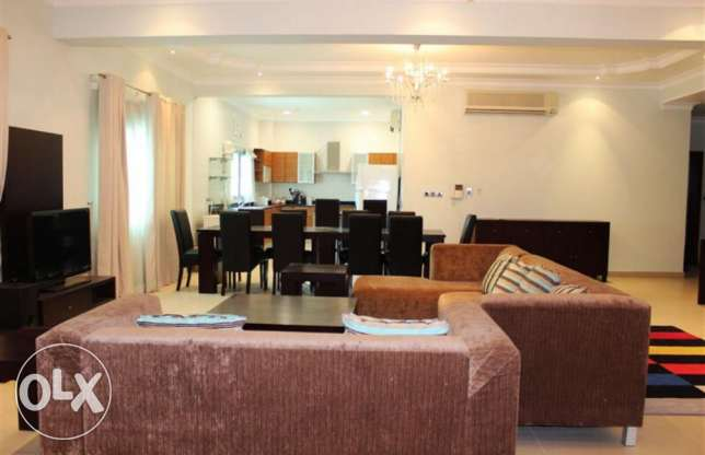 Zinj area 3 bedroom Spacious luxury fully furnished apartment Rent 800