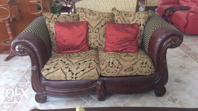 3+2+2 sofa in good condition