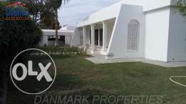 SAAR FULLY 3 BEDROOM Single Storey Villa with Garden for rent INCLUSIV