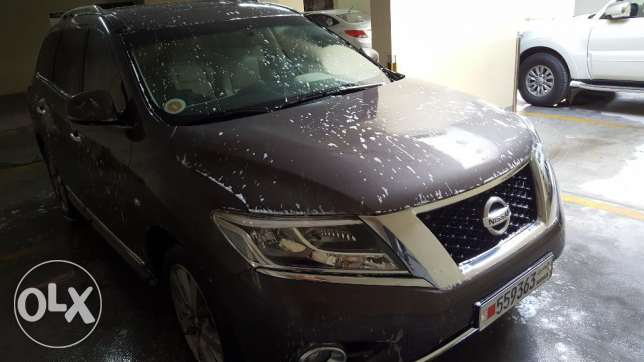 Almost new Nissan pathfinder 2016