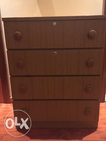 Selling a chest of drawers جفير -  1