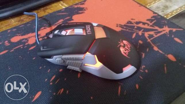 Gaming mouse for sale (6BD) negotiable used only for 1 month