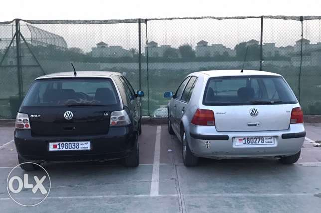 2 Volkswagen Golf cars 2001 & 2002