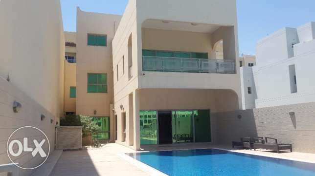 Fabulous large Brand new 5 bedrooms villa semi furnished with pool