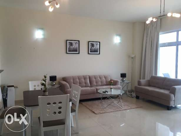 Outstanding 2 Bedrooms Fully Furnished Apartment in Amwaj