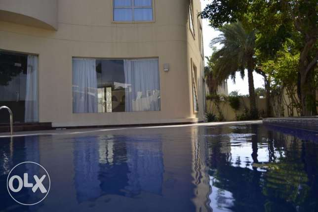 Modern 5 Bedroom villa with private pool & garden العدلية -  1