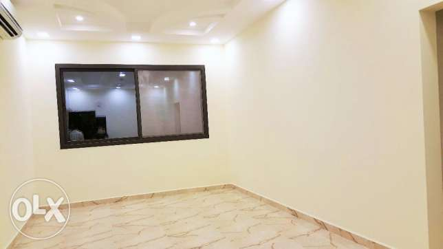 New hidd/3 Bedroom semi furnished Apartment