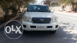 Toyota land cruiser model 2013 ()?
