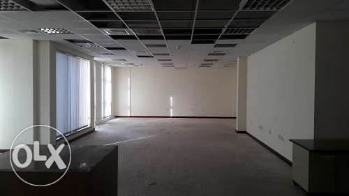 722m2 full floor off space in Dip Area w/built in partitions BD.4500