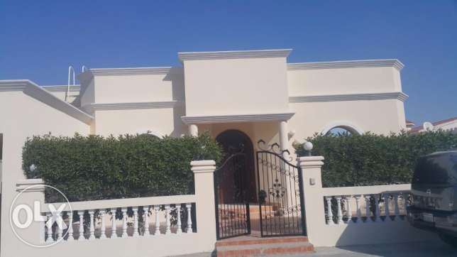 3 Bedrooms Semi- Furnished Villa for rent in Janabiya Near SAAR Cinema