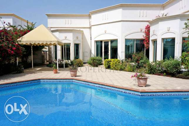 Beautiful Villa with Own Garden and Pool
