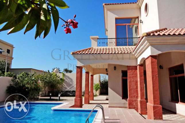 Luxury 4 Bed Villa with Private Elevator