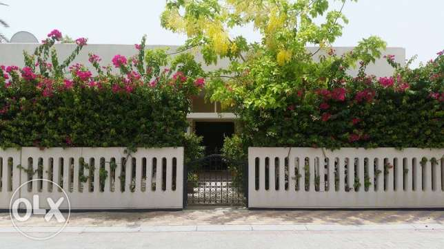 Amazing and Relaxing Villa in Budaiya