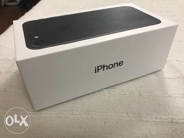 Iphone 7 Matte Black 32 GB الزنج -  2