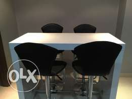 High Bar Table With 4 High Chairs