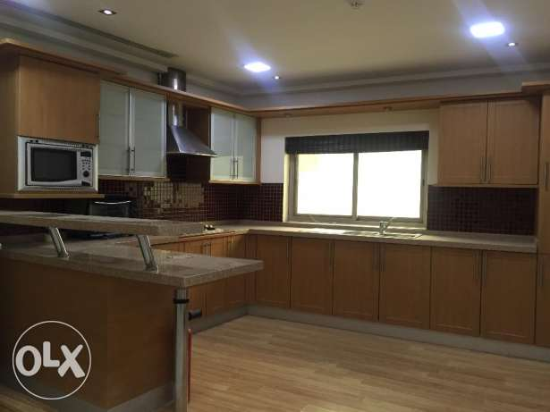 Amazing 2 Bedrooms Fully Furnished Apartment in Mahooz