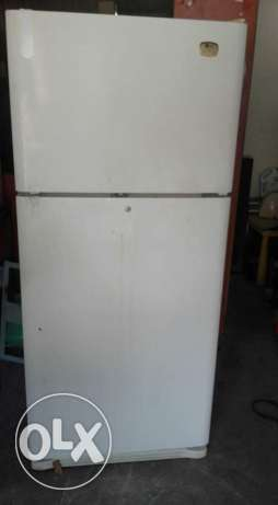 LG fridge for sale good conditions good working with delivery also