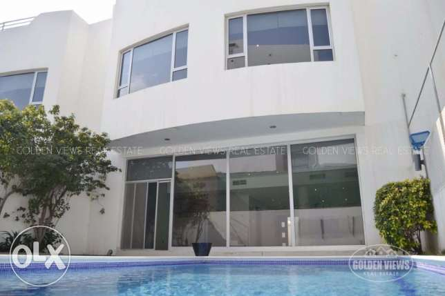 3 Bedroom town house with private pool in Janusan