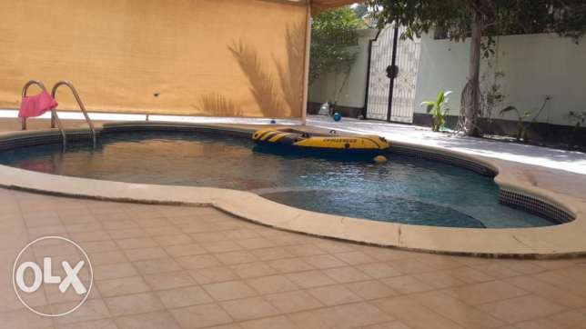 Individual Villa with Garden and Swimming Pool in Sanad