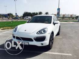 Porsche Cayenne S 2013 in excellent condition, Under Warranty.