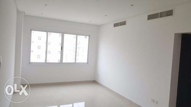 Nw hidd, perfect 2 BHK flat Semi furnished with balcony and central Ac المحرق‎ -  6