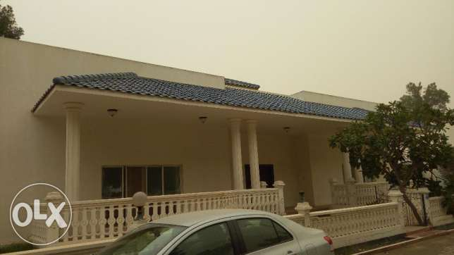 Stylish 4 BR Semi Furnished villa in Saar area