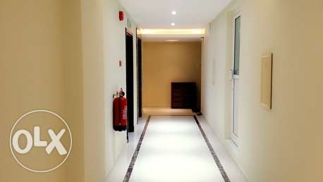 2 Bedroom Semi furnished flat in NEW HIDD/Inclusive جفير -  5