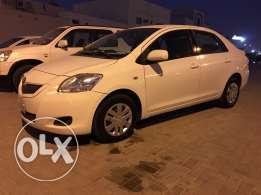For sale excellent condition toyota yaris 2010 model